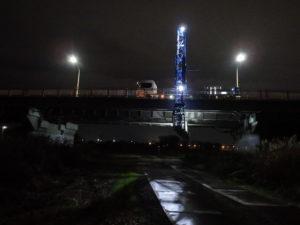 歩廊式大型橋梁点検車